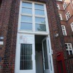 Die ASP-Begegnungsstätte Borgfelde befindet sich in einem denkmalgeschützten Gebäude in der Bethesdastraße direkt über einer Kita